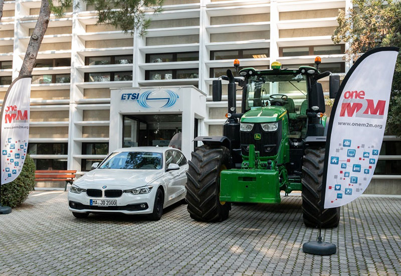 Image showing tractor and car connected in front of ETSI building